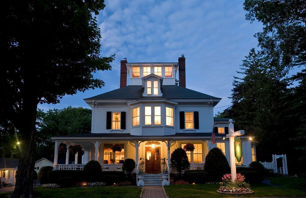 Maine Stay Inn & Cottages in Portland Maine bed and