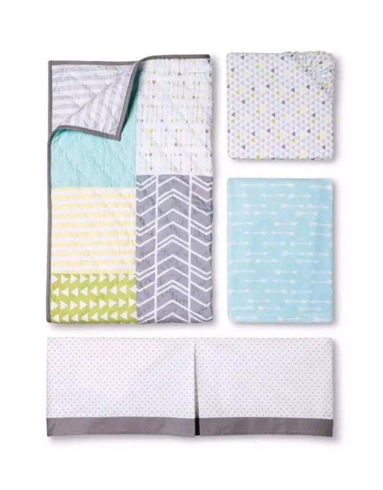 Circo 4-Piece Crib Nursery Bedding Set Boys Geo Arrow (NEW) Free Shipping