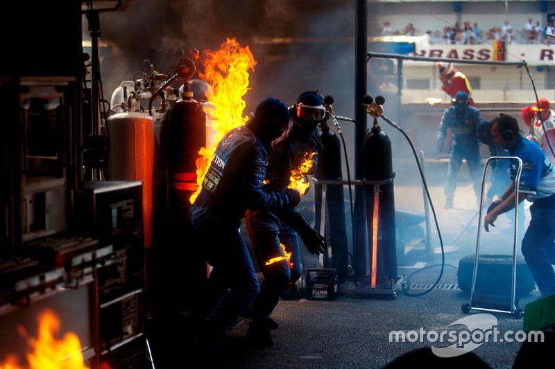 Fire during pit stop of Jos Verstappen, Benetton B194 Ford ...