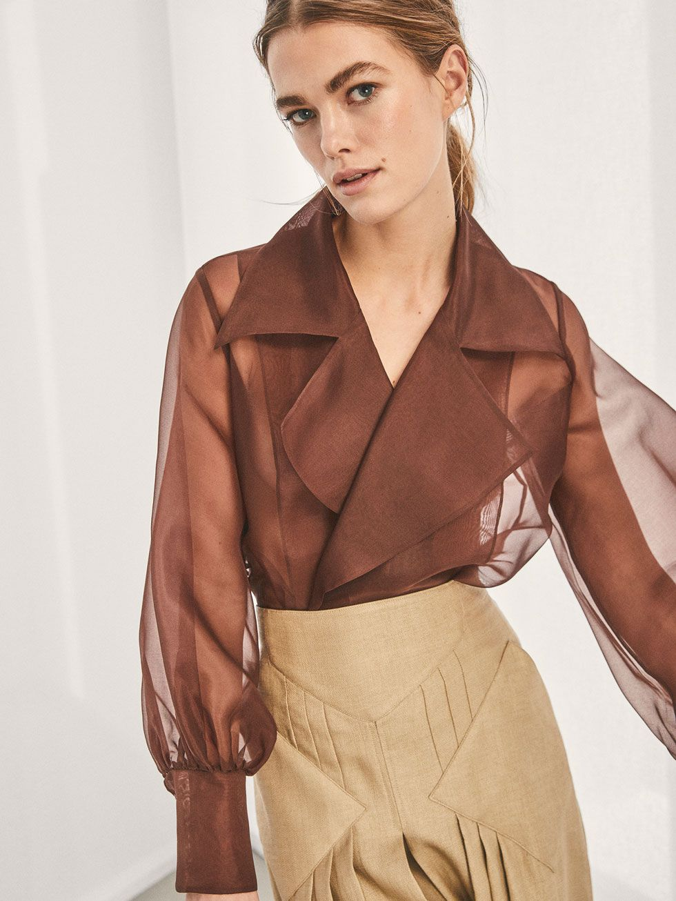 4dbcbc22ae8be Fall Winter 2017 Women´s LIMITED EDITION SILK OVERSHIRT WITH TIE DETAIL at Massimo  Dutti for 150. Effortless elegance!
