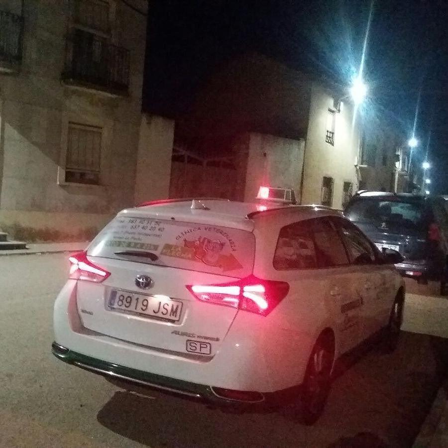 http://ift.tt/2l74hBq Servicios de taxis 24horas.615674413