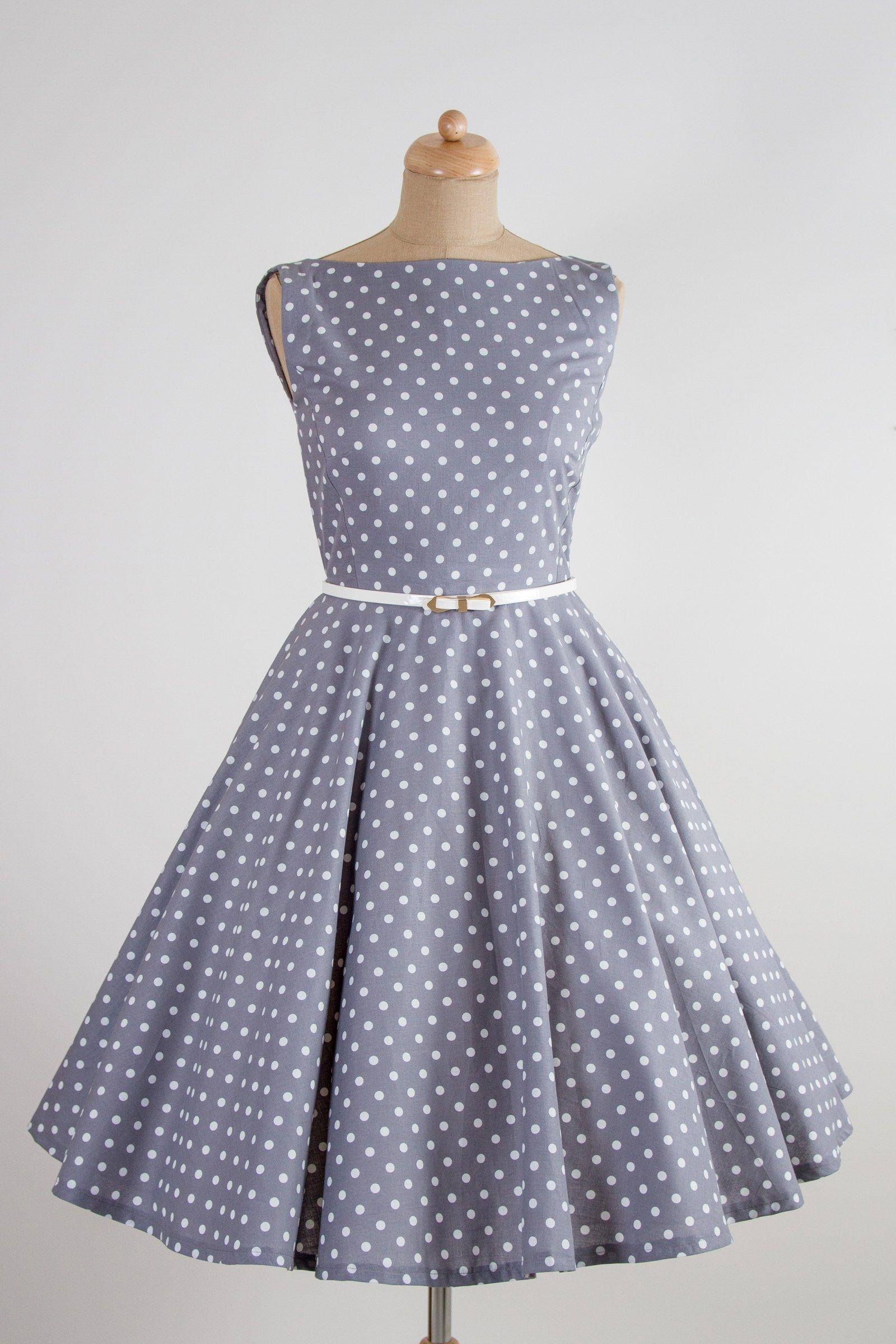 Šedé retro šaty s bílým puntíkem lodičkový výstřih knoflíčky na zadní  straně kolová sukně pásek s 6d3a03815f