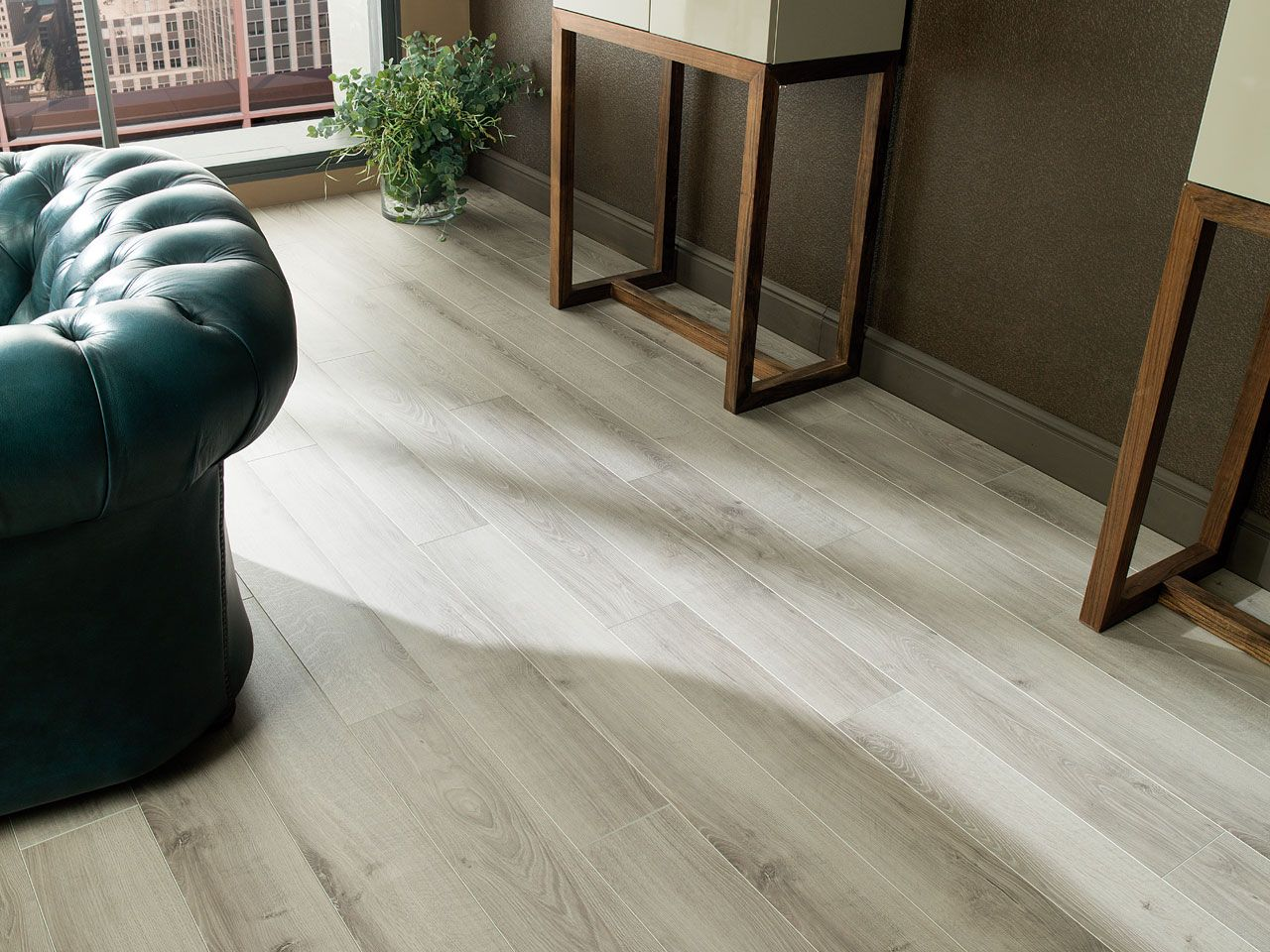Laminate flooring is characterised by its resistance and for Suelos laminados porcelanosa