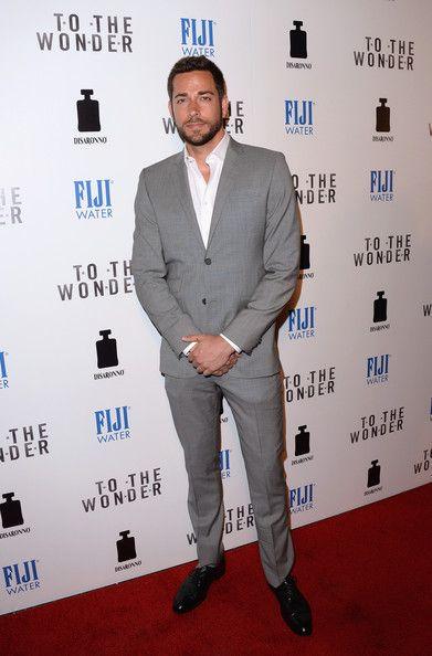 Zachary Levi Clothes