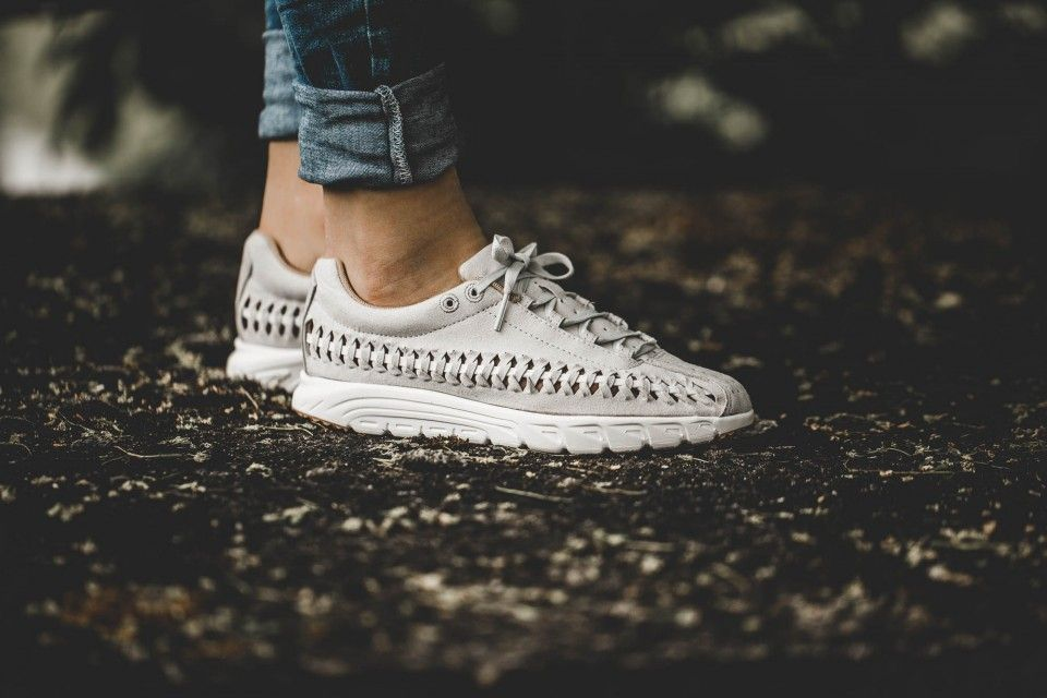 reputable site 43cb2 6e939 Nike Mayfly Woven Pack