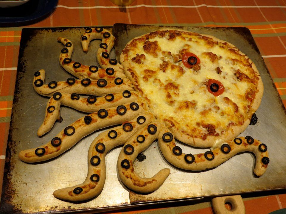 My friend's mom made a Cthulhu pizza. Complete with breadsticks!
