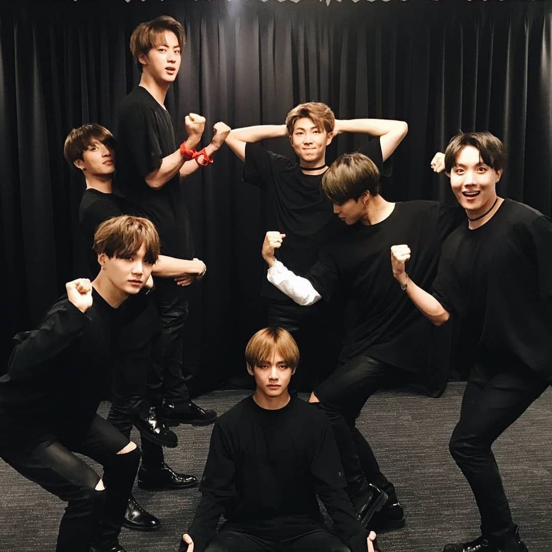 Pin By Muhd Jungkook On Bts Funny Poses Bangtan Boys Funny Worldwide Handsome
