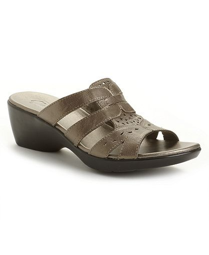 32327a19742a pewter for soft metallic sheen - Clarks Sandals SO comfy