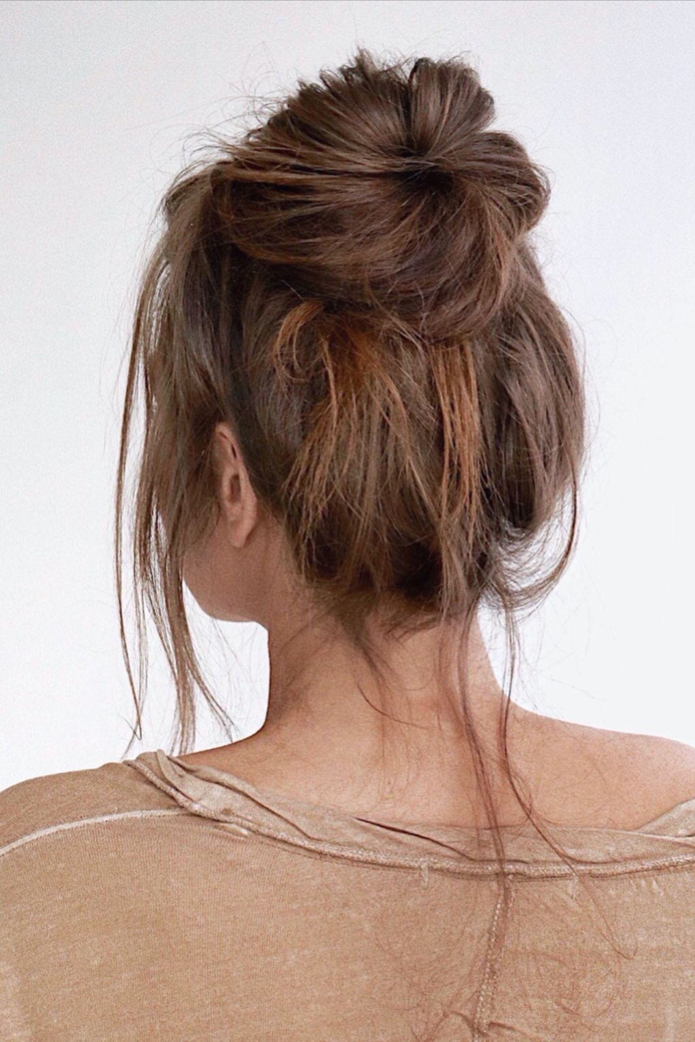 Tumblr Messy Bun Everyday Hairstyles In 2020 Brown Hair Messy Bun Hair Bun Tutorial Cute Up Hairstyles