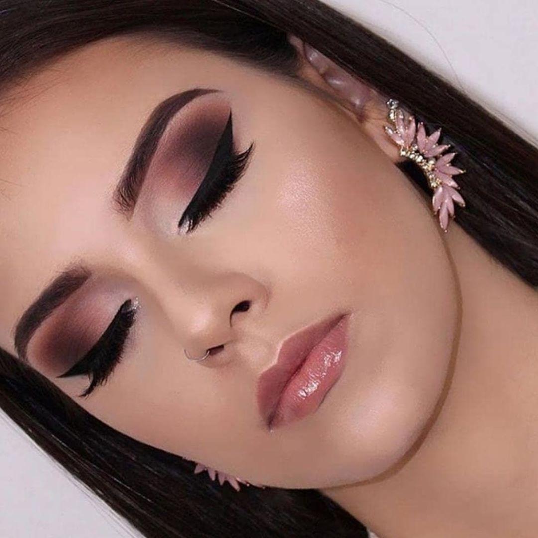 30 Pretty Christmas Makeup Ideas To Make You Look Hot Pink Makeup Makeup For Teens Rose Makeup