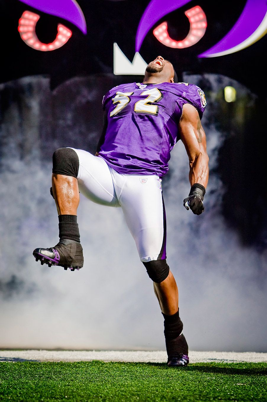 52 Ray Lewis.... His last game  o( we better win today! ( 18)  25ce81ccf