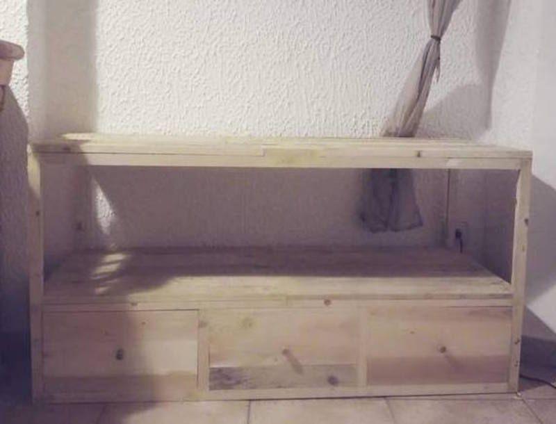 Dans ce tutoriel je vous montre comment fabriquer un meuble tv en palette