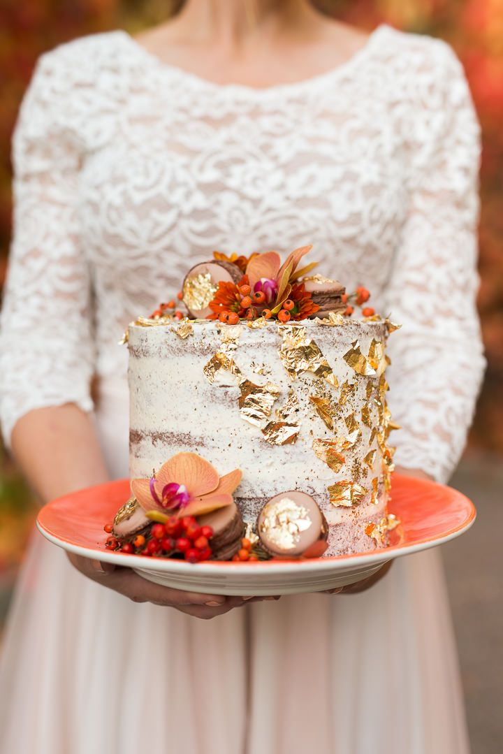 Detailed Gold Fall-Inspired Wedding Cake   Fall wedding cakes, Romantic wedding cake, Themed