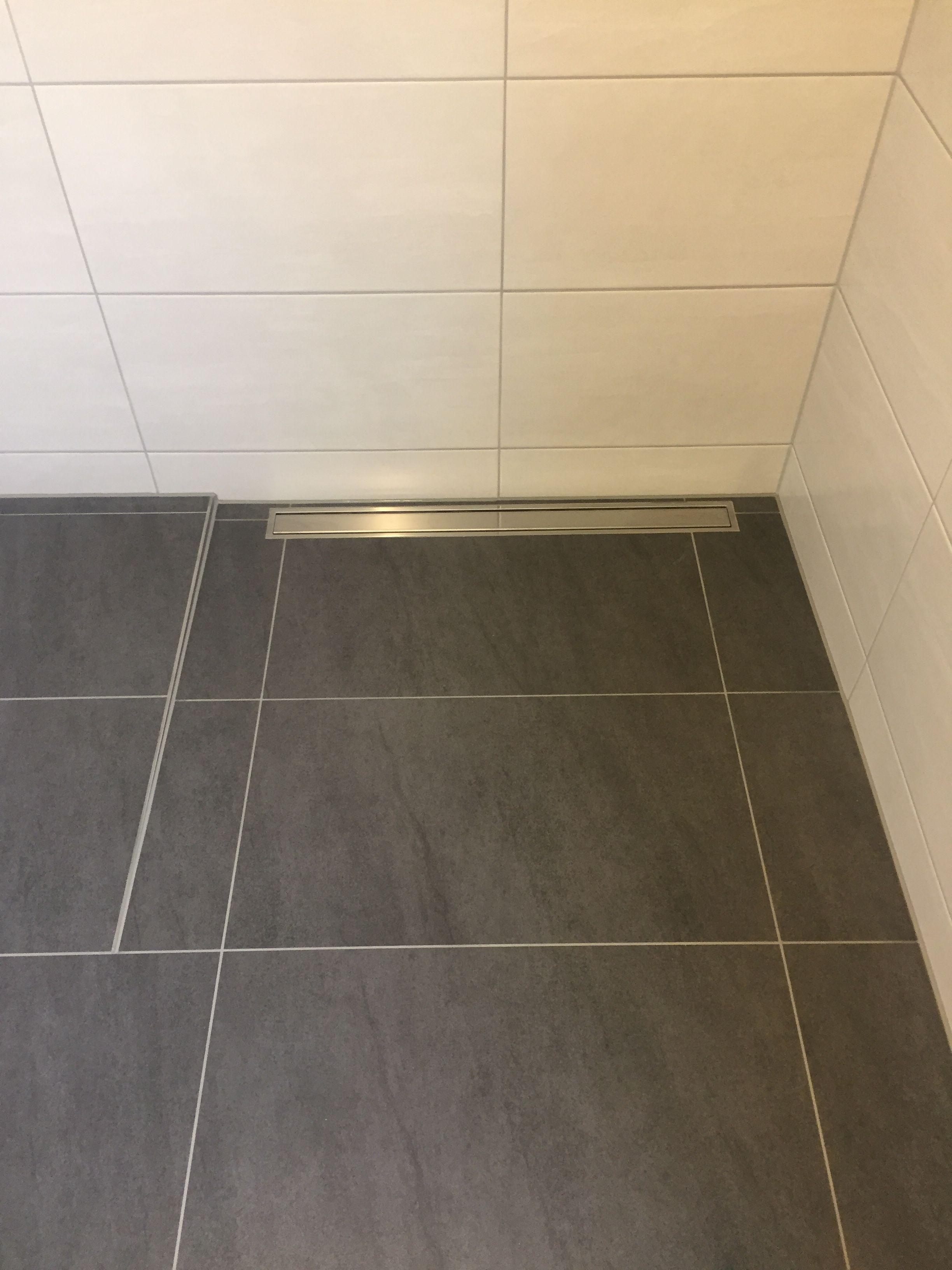 bodengleiche Dusche und lineare Bodenentwässerung, Walk in
