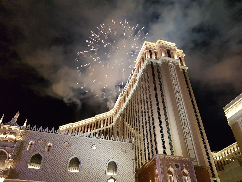 Viva Las Vegas New Year's Celebration 2017 Epic