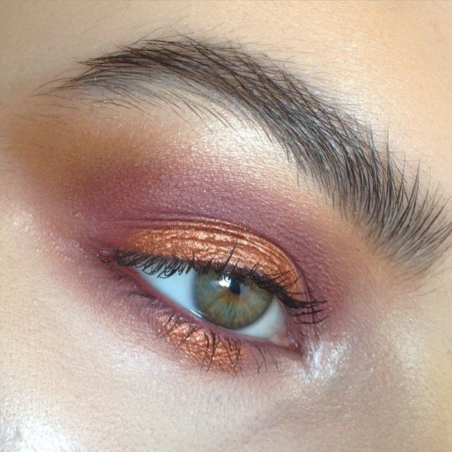 Natural plum tones with liquid bronze accent