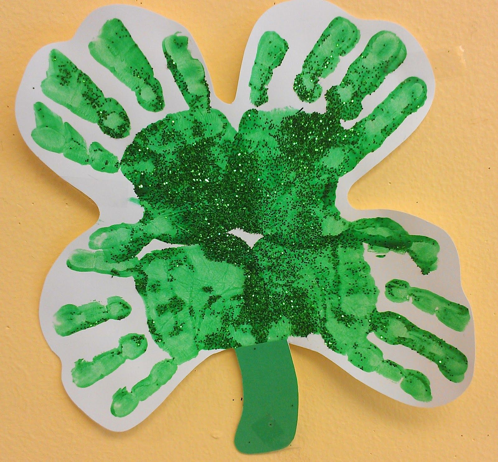 Arts and crafts for a 1 year old - Preschool Ideas For 2 Year Olds St Patrick S Day Handprint Rainbow