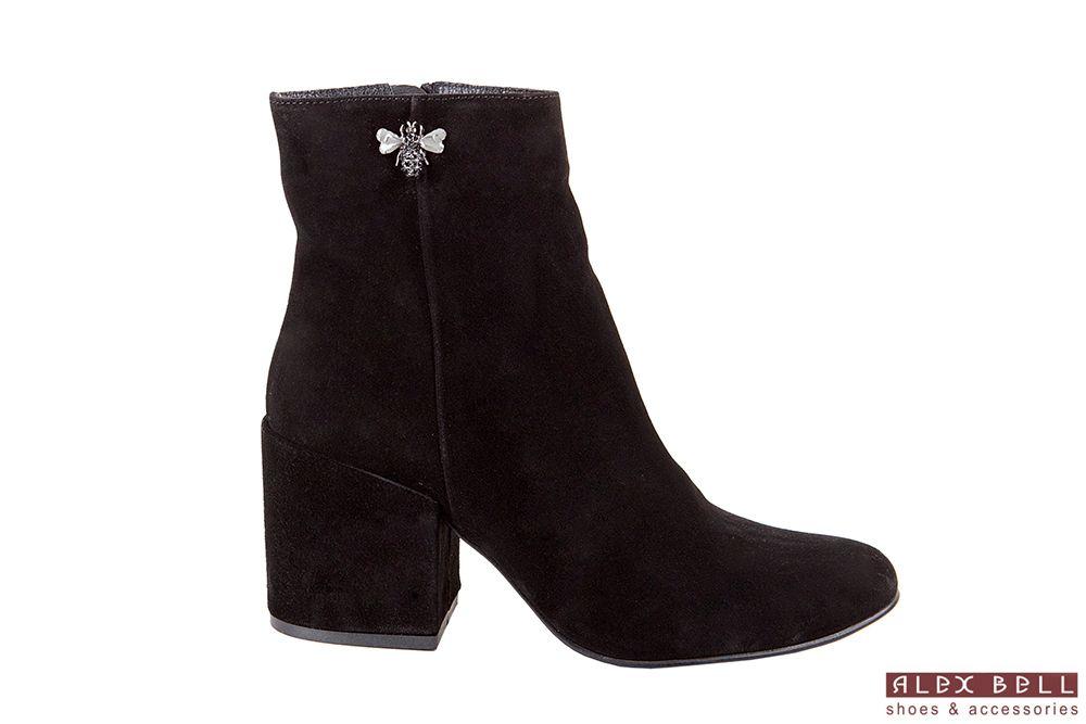 b0dfdd55512846 ... Обувь Alex Bell пользователя Alex Bell. женские ботинки чёрные замшевые  осень 2017 бабочка