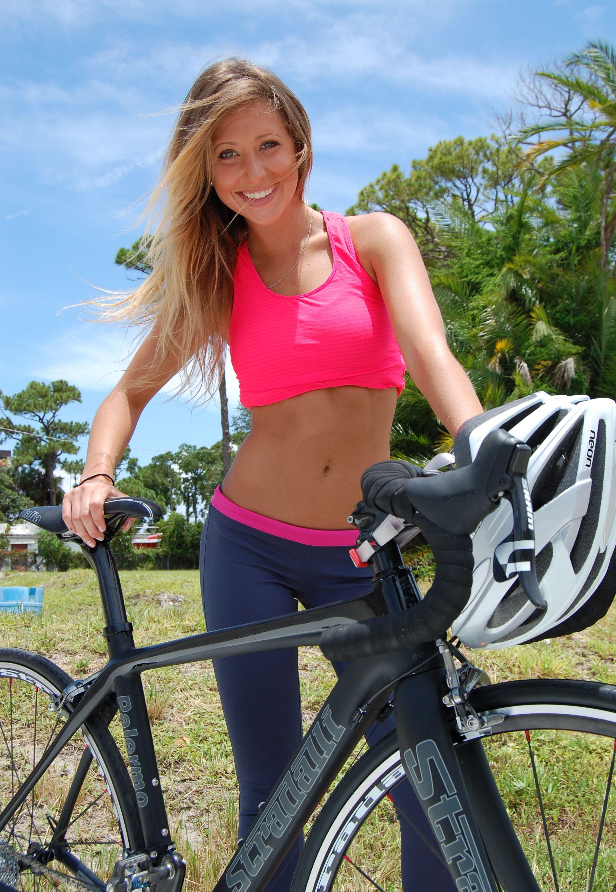 hot nude girls clips auf dem fahrrad