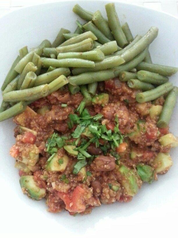 Quinoa met bonen en avocado. Heerlijk en vegetarisch!