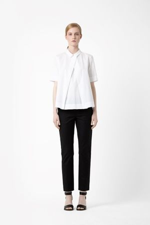 COS. Minimalist fashion.