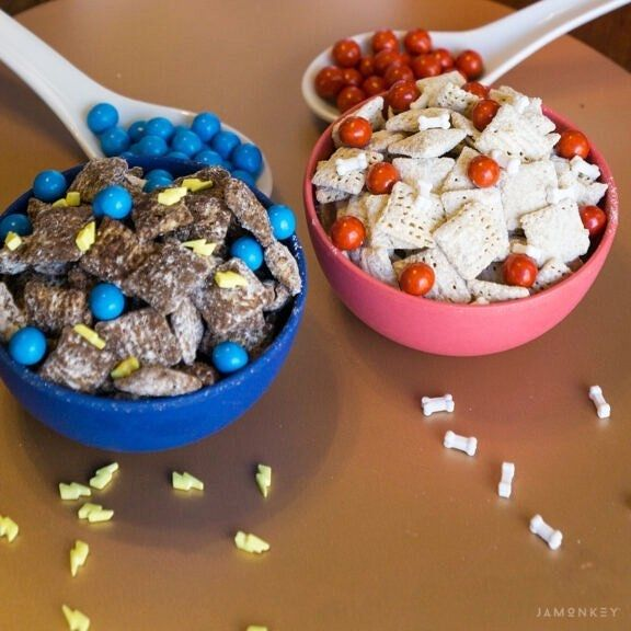 Time to chow down on some tasty Puppy Dog Pals Chow made
