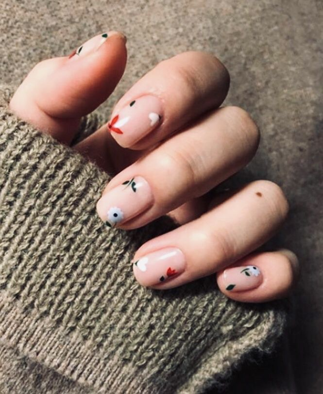 artsy nails in beauty and style