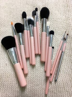 Martone Laura: JESSUP BEAUTY ♡ PINK BRUSHES