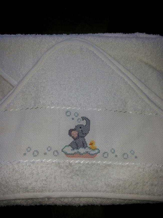 Accappatoio neonato elefantino della categoria punto for Ricami neonati punto croce