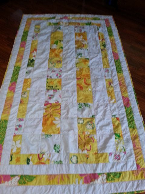 Hawaiian Flowered Patch Quilt by Hawaiigrammi on Etsy