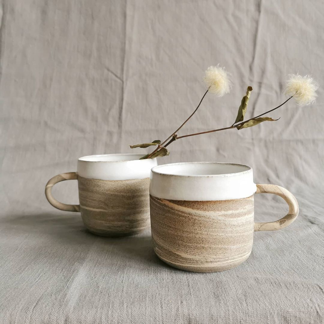 Marbled ceramic mugs #claylife #handmadeceramics #wheelthrowing #pottery #potteryart #ceramicmug #marbledmug #interiordesign #mugcollection #handmademug #darkclay #whiteglaze #keramik #töpfern #lieblingstasse