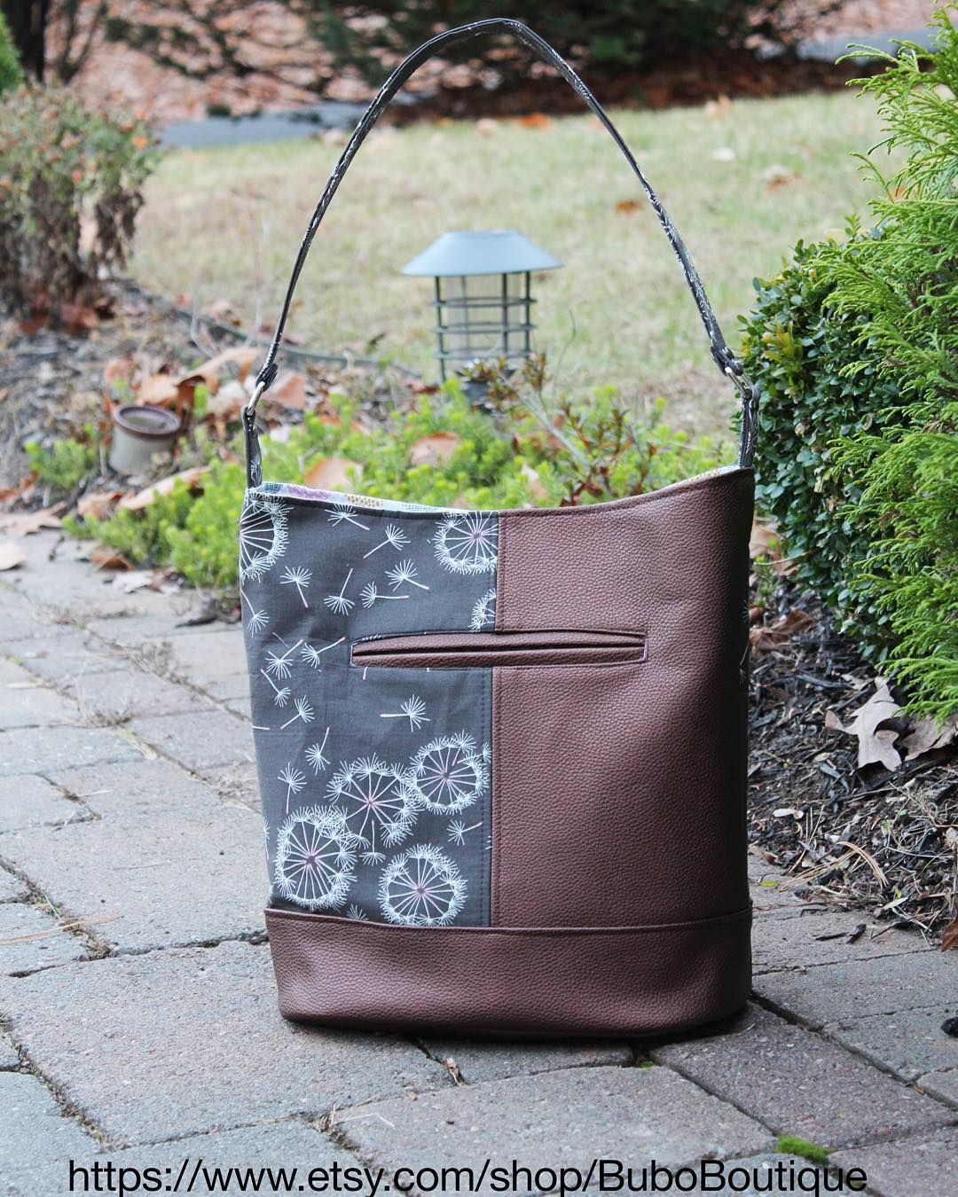 """2eedd85f5b12 """"And here is another Bonnie bucket bag (pattern by Swoon). Love this bag!  And ❤️the sketchbook collection by Art Gallery Sharon Holland  bonniebag…"""""""
