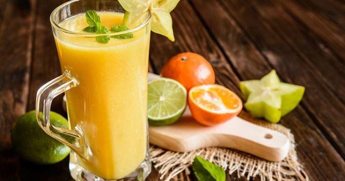 Cocktail de fruits exotiques sans alcool