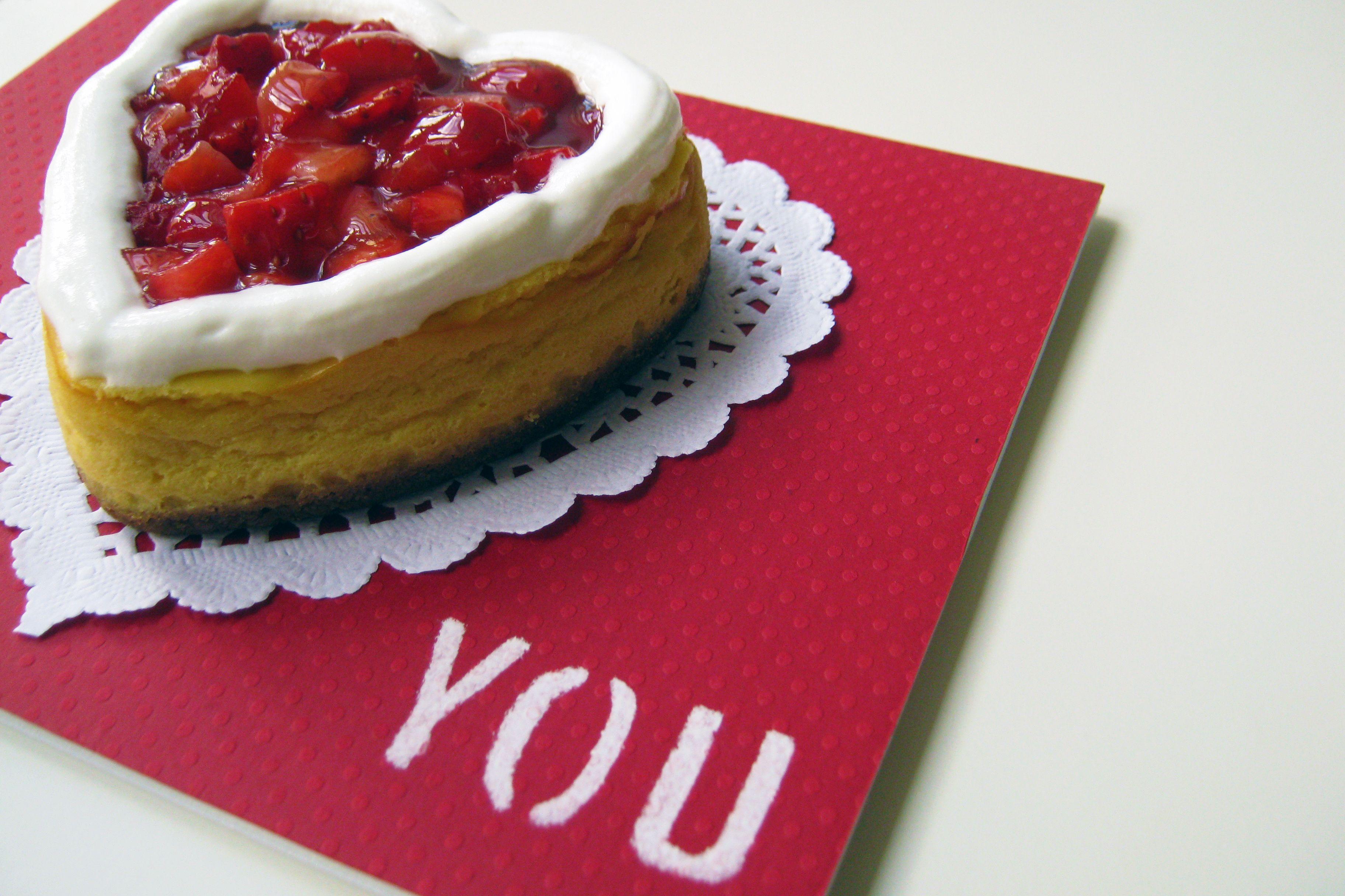 Cheesecake de Morangos e Natas do Dia dos Namorados  |  Valentine's Day Cheesecake
