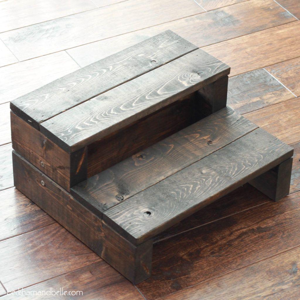 Super Simple Kid S Diy 2x4 Wood Step Stool Step Stool Diy Diy