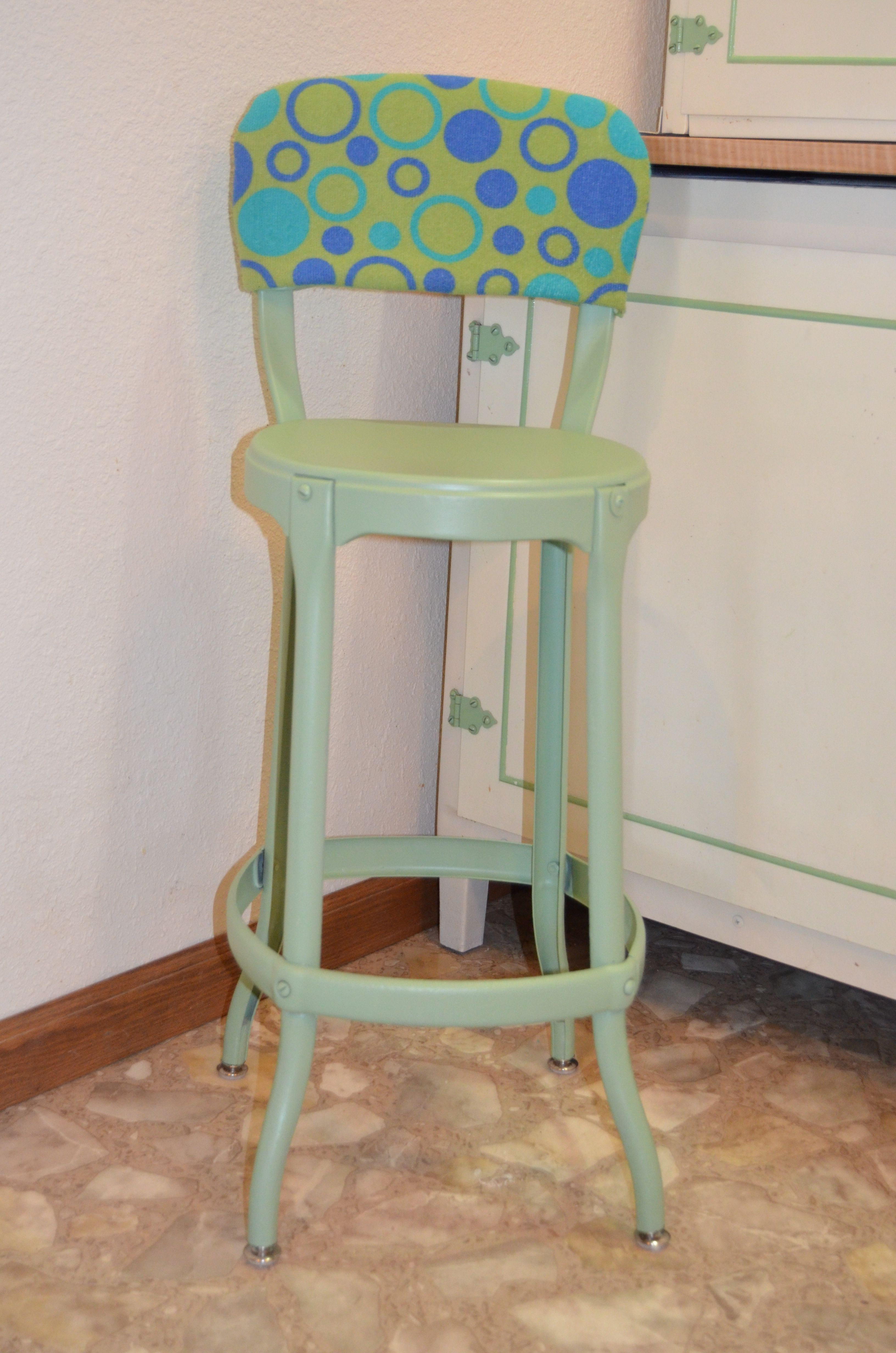 Outstanding 3 Metal Kitchen Stool Redo From A Rusted Old Metal Stool To Machost Co Dining Chair Design Ideas Machostcouk