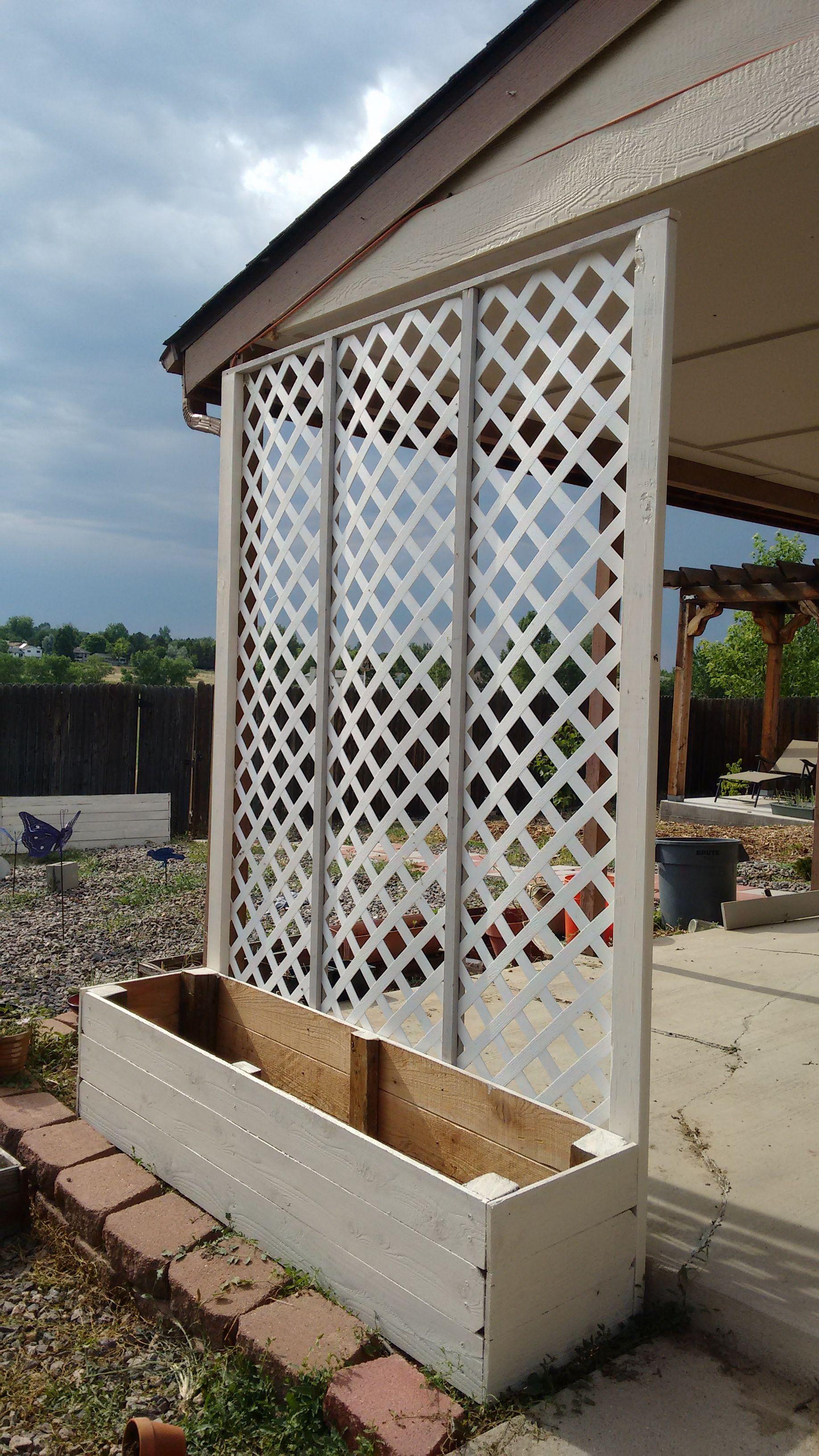 Lattice privacy screen planter Wall planters outdoor