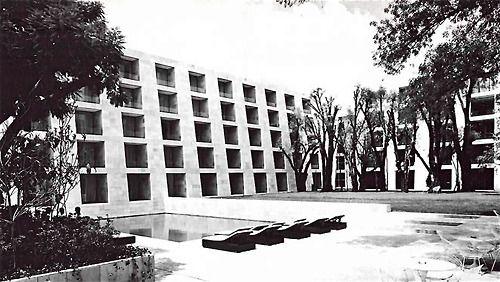 Hotel Camino Real, Mariano Escobedo 700 Anzures, Miguel Hidalgo, México DF 1968 Arq. Ricardo Legorreta Foto. Armando Salas Portugal Camino Real Hotel, Polanco, Mexico City 1968