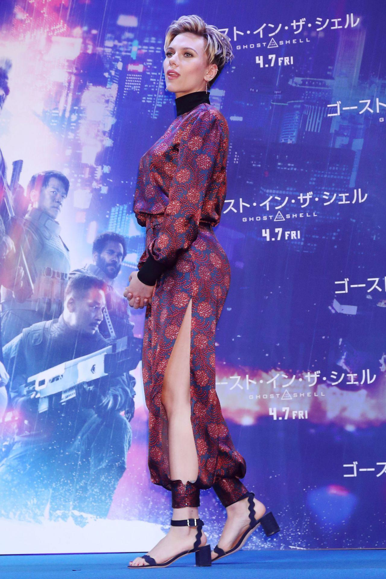 Scarlett Johansson Ghost In The Shell Premiere In Tokyo Japan 3 16 2017 Scarlett Johansson Ghost Scarlett Johansson Scarlett Johansson Hairstyle