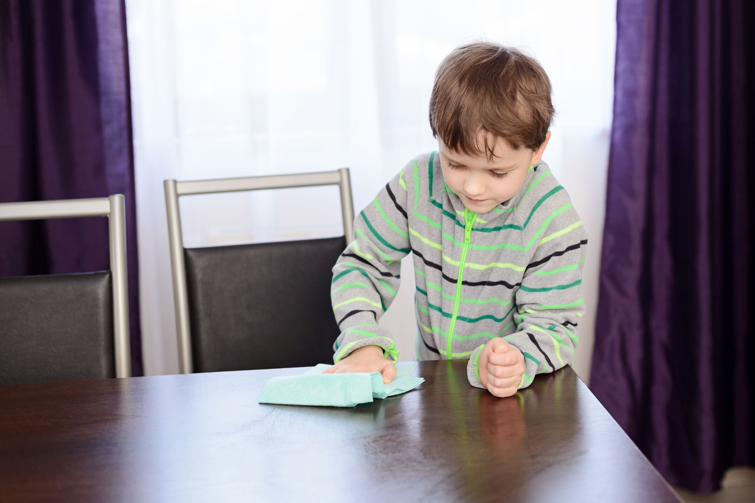 Wiping Down Tables Washing Counters And Dusting Are Helpful Activities That Help Facilitate Midline Crossing Therapype