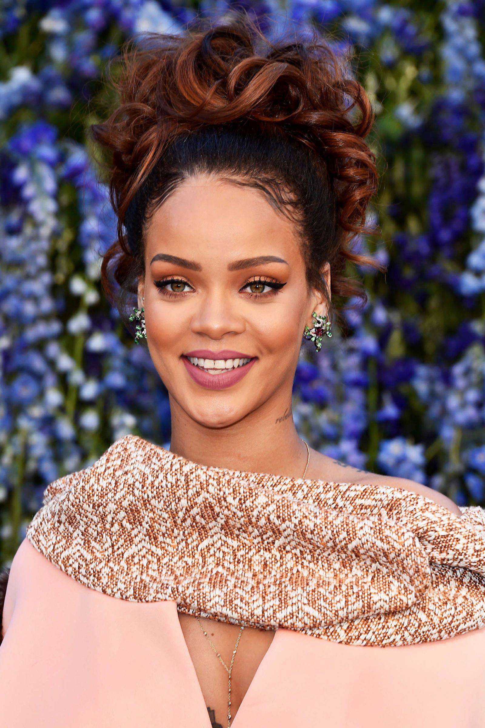Rihanna Hairstyles Rihanna's Most Iconic Hair Looks  Rihanna Hairstyles And Makeup