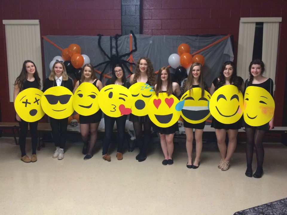 Diy Emoji Costumes Halloween Costumes Hallo
