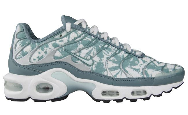 brand new e7892 0dde4 Nike WMNS Air Max Plus (Tuned 1) | Sneakers in Women's Sizes ...