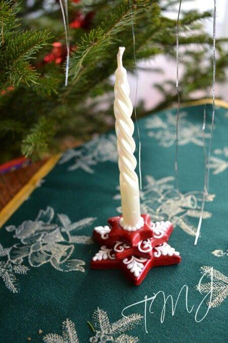 Small christmas star gingerbread candle holder. Kis karácsonyi mézeskalács mécsestartó.