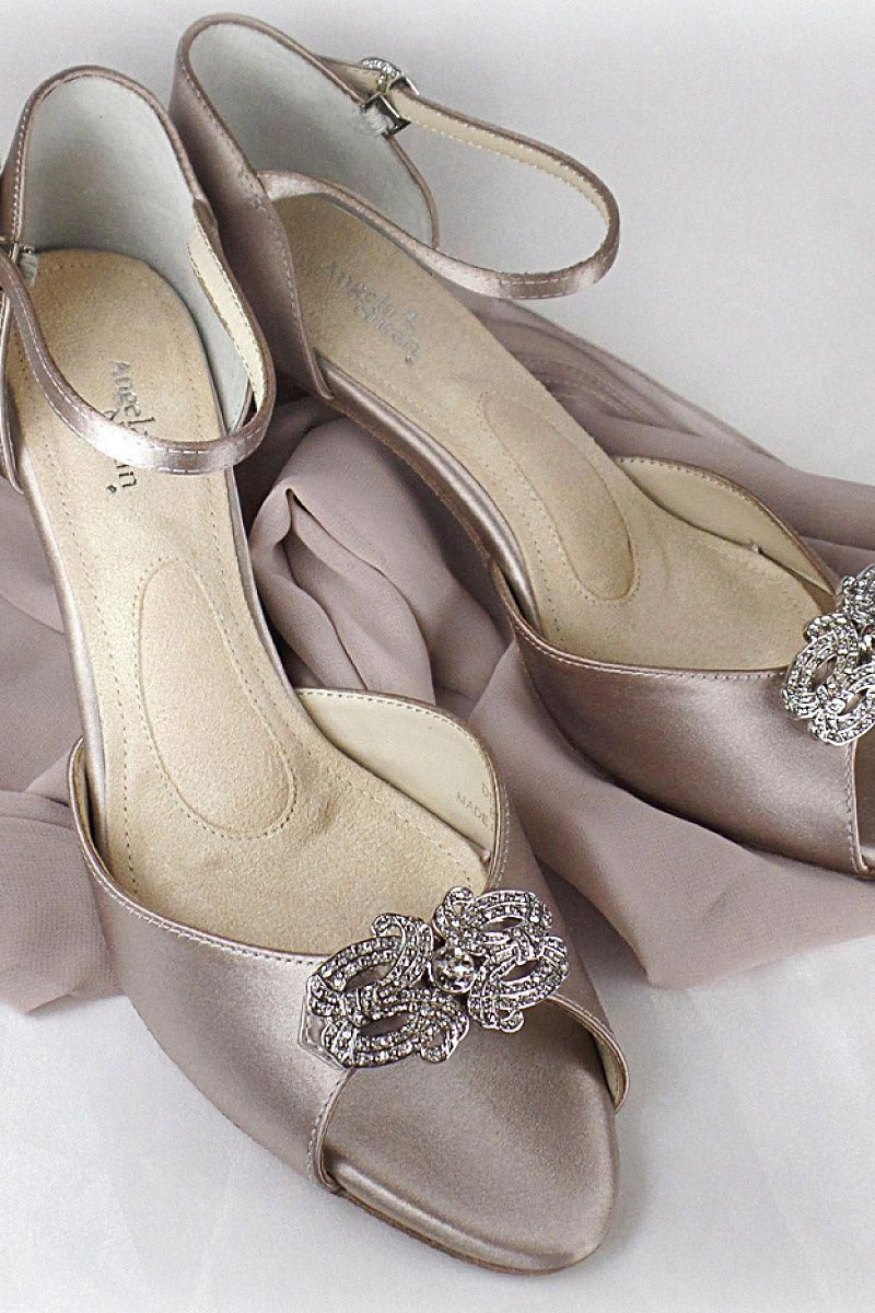 1b5757793bf5 Regardless if you want neutral or bold shoes on your wedding
