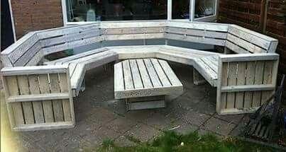 DIY pallet bench maybe around fire pit? - DIY Pallet Bench Maybe Around Fire Pit? Pallet Projects In 2018