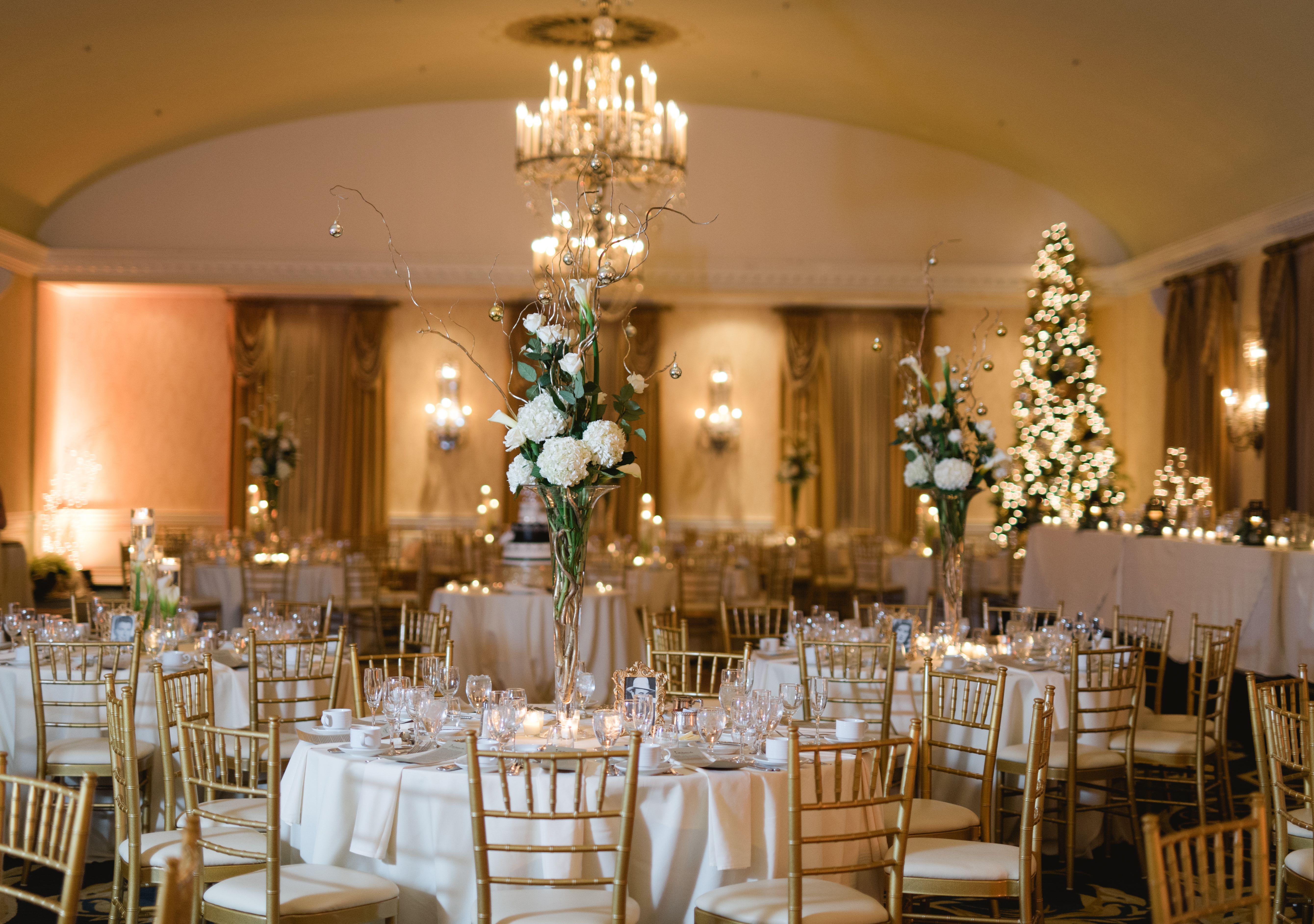 Niki Marie Photography Clic Wedding At The Dearborn Inn Detroit Photographer