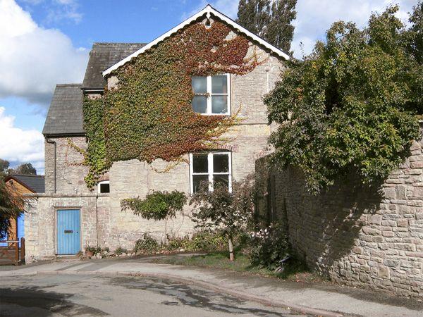 #Kington #Farmhouse #AlwaysOnVacation #Stone
