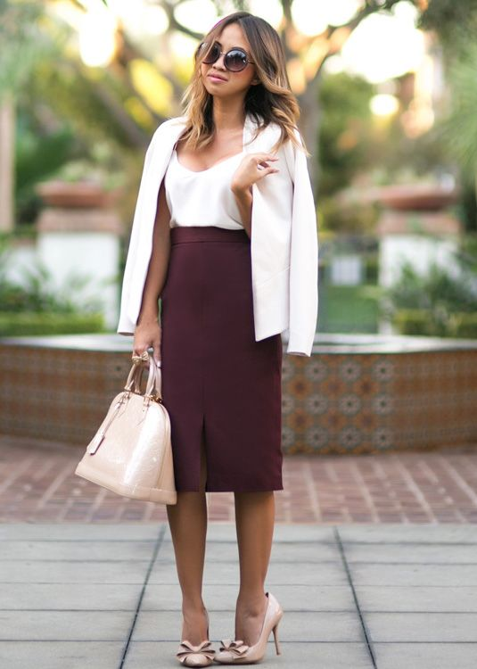 This Banana Republic burgundy pencil skirt, paired with a camisole ...
