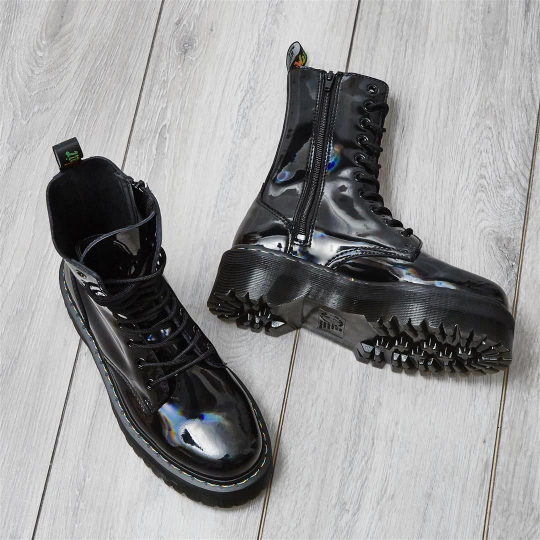 aadbdd0053 Quick before they're gone! 😱🏃 ♀️ @drmartensofficial Jadon Hi ...
